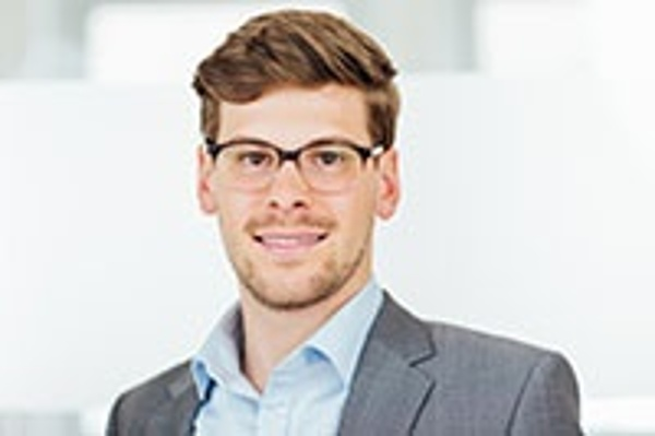 Julian Miksch - Consultant